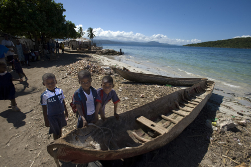 Haiti-3-Boys-and-Canoe